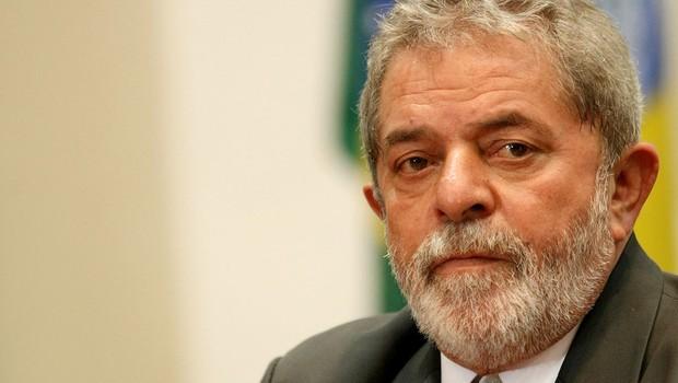 TRF-4 mantém condenação de Lula em 17 anos por sítio em Atibaia