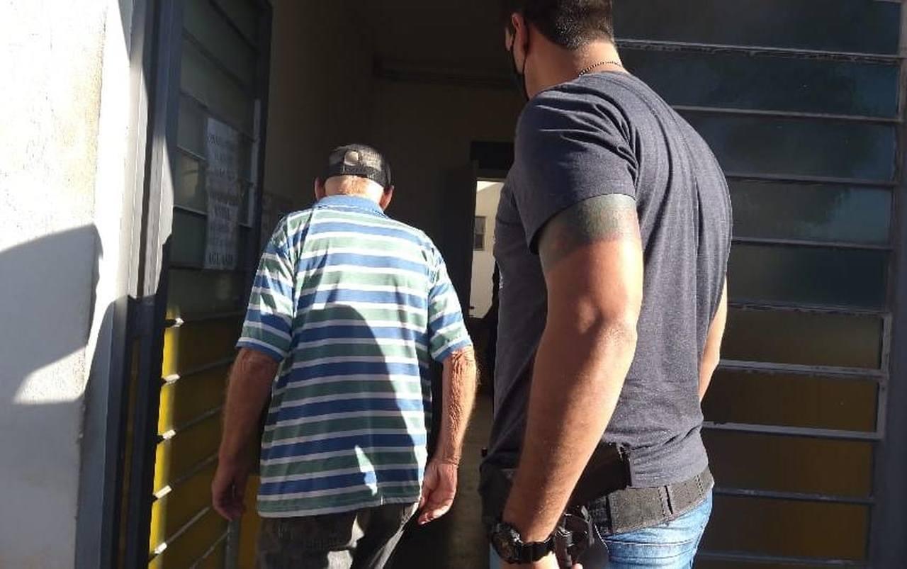 Idoso de 83 anos é preso na região de Piracicaba após ser flagrado fazendo sexo com animal